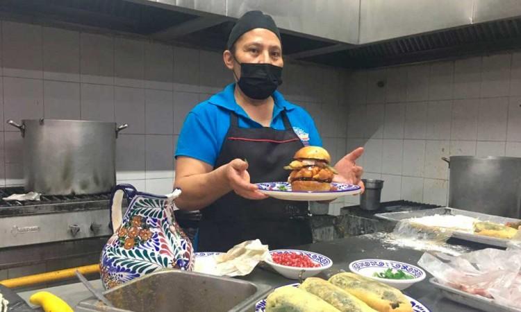 Hamburguesa en Nogada