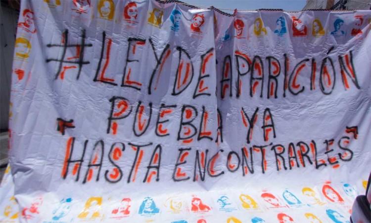Pancarta del plantón de Voz de los desaparecidos