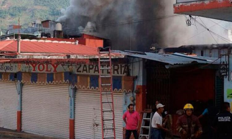Se incendia el mercado de Xicotepec