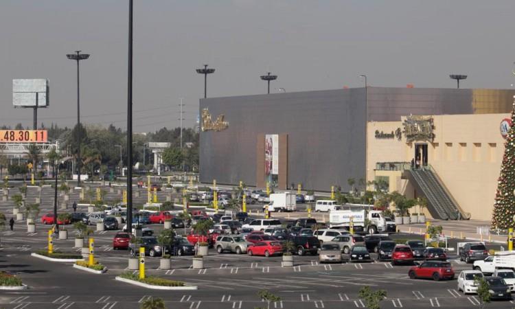 Matan a policía auxiliar en centro comercial Angelópolis