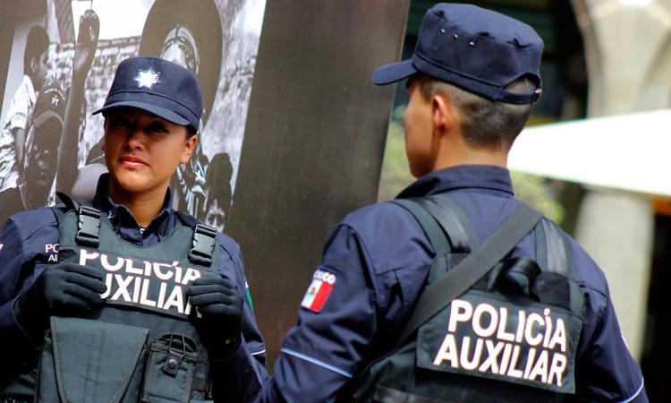 Muere policía auxiliar en accidente carretero