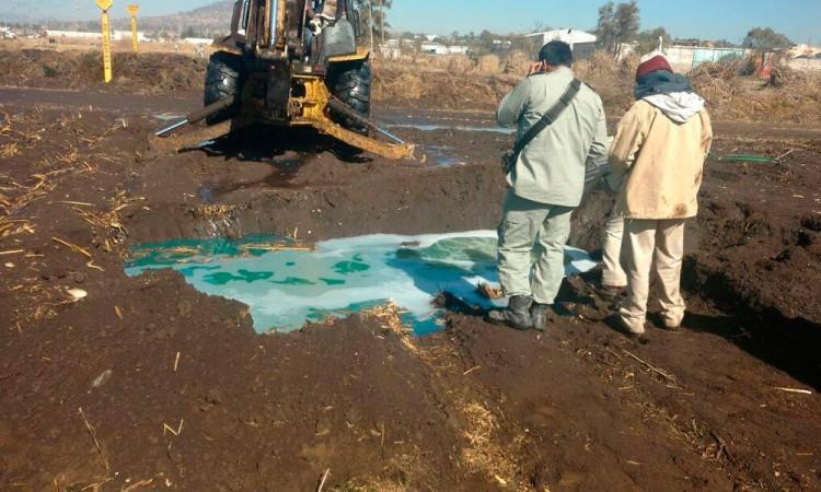 Desalojan a 15 familias por fuga de diesel