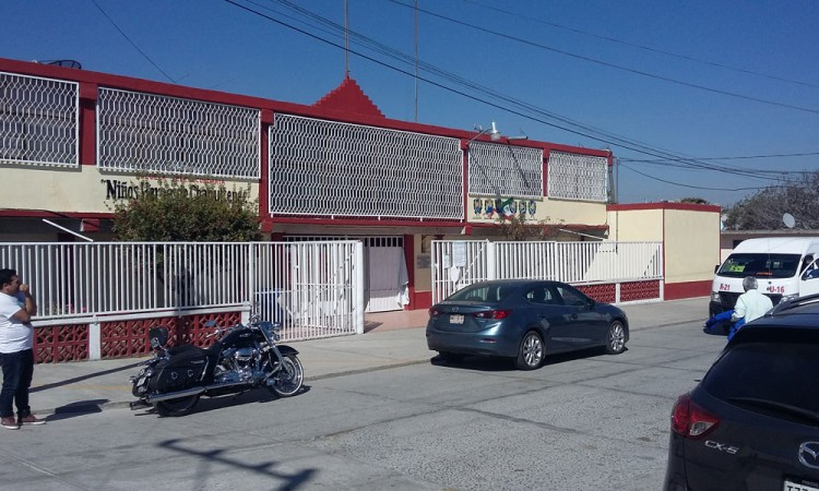 Saquean telesecundaria en San Felipe Teotlalcingo
