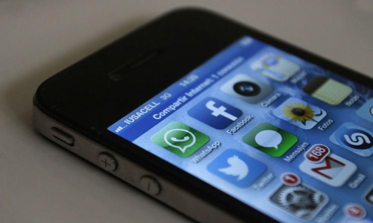 Denuncian policías estatales grupo de pornografía en Whatsapp