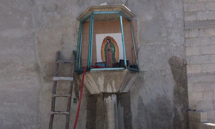 Encuentran altar huachicolero