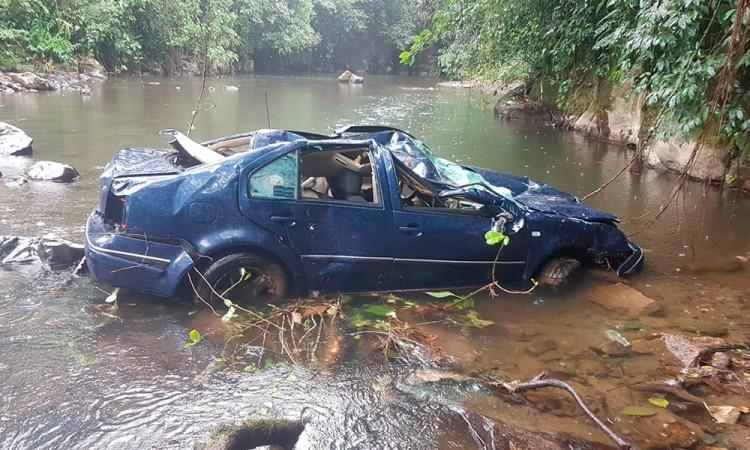 Volcadura deja un muerto en Hueytamalco