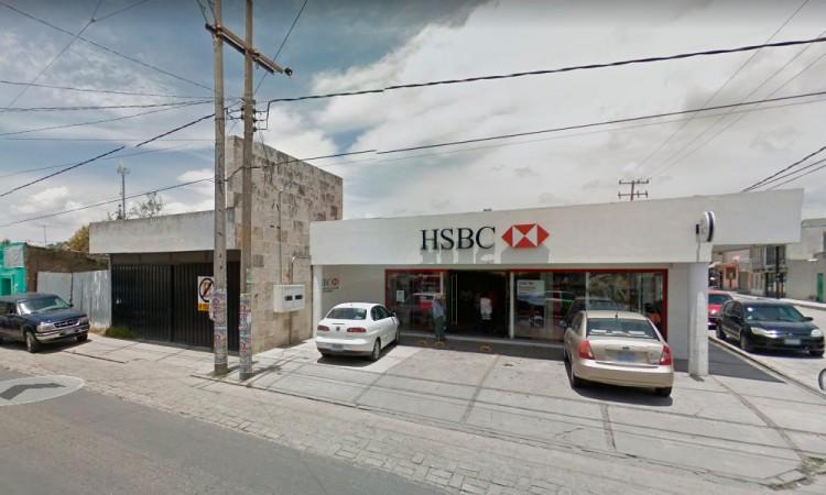 Asaltan el HSBC de Lara Grajales