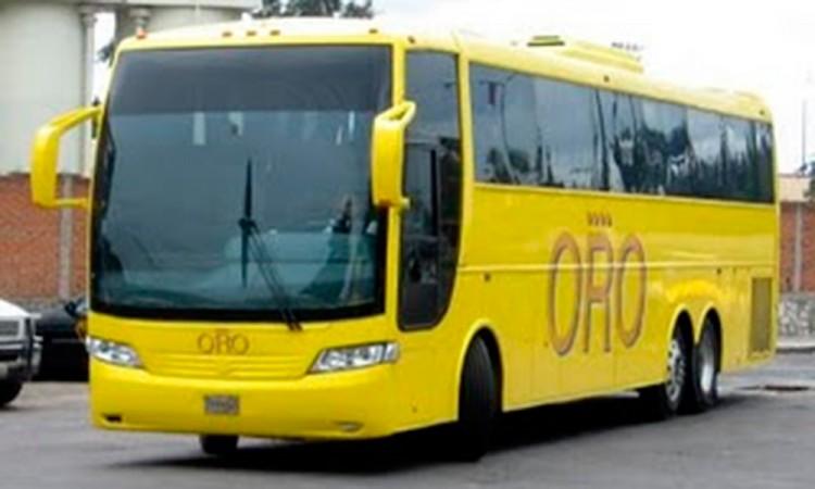 Apedrean autobús con pasajeros en Izúcar