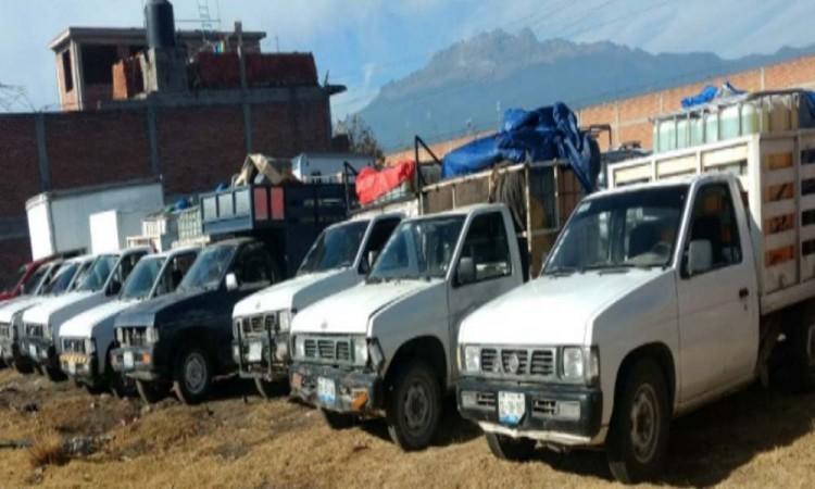 Decomisan hidrocarburo y camionetas en Texmelucan