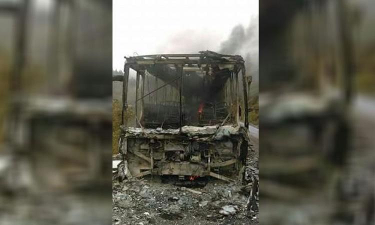 Comando quema autobús