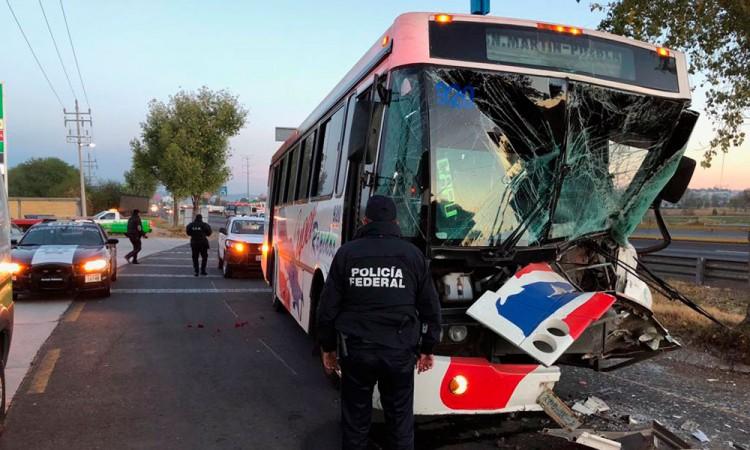 Choque deja 8 lesionados en la México-Puebla