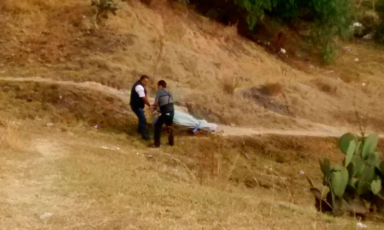 Topan niños con cuerpo putrefacto en Zacachimalpa