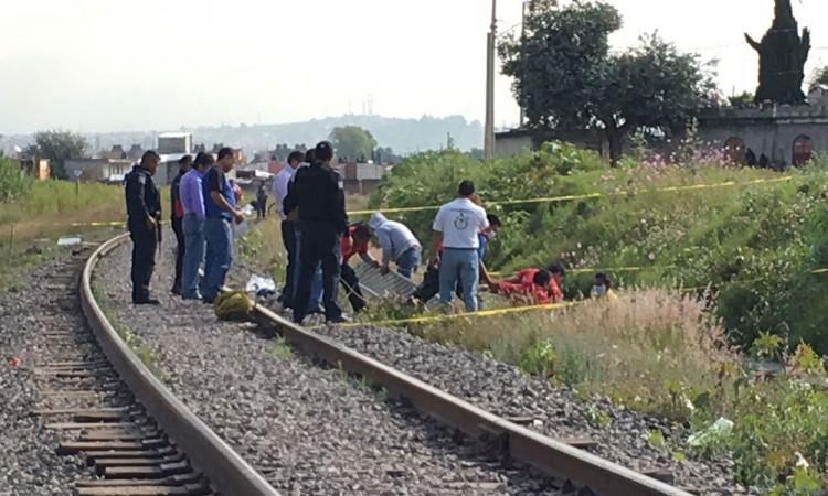 Hallan cadáver de mujer sobre vías del tren en Mazapiltepec
