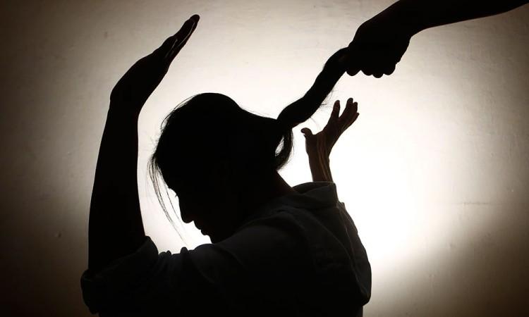 Vinculan a proceso a agresor de mujer