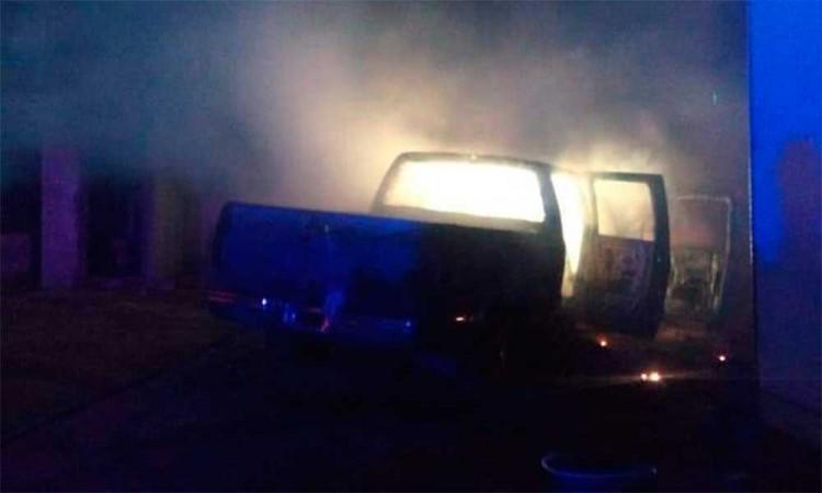 Registran incendio de camioneta en Huixcolotla