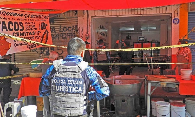 Balean a taquero en el mercado La Acocota