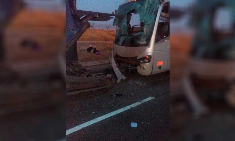 Choque deja 15 heridos en San José Chiapa