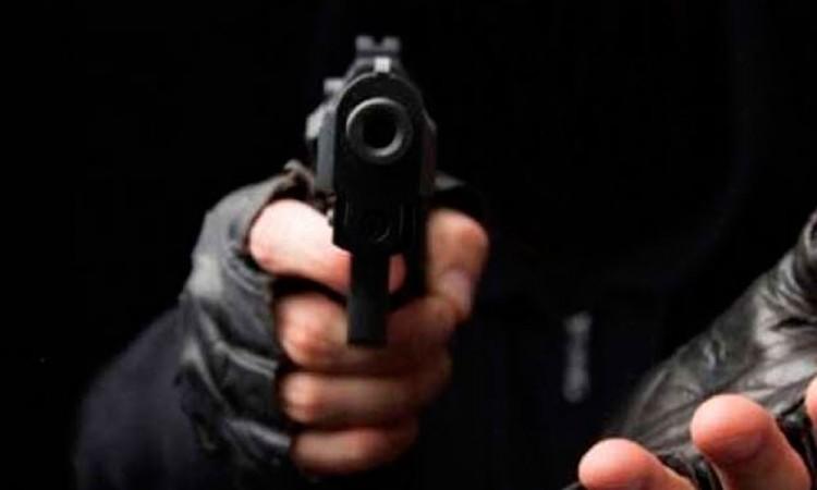 Hieren de bala a hombre tras intento de asalto