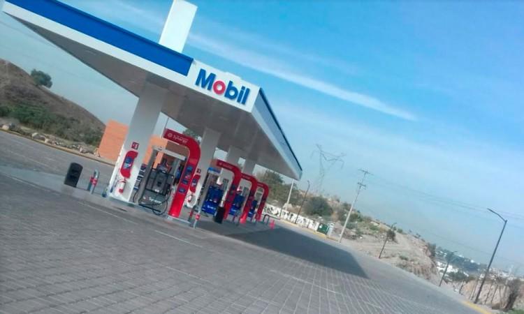 Asaltan gasolinera Mobil en Periférico