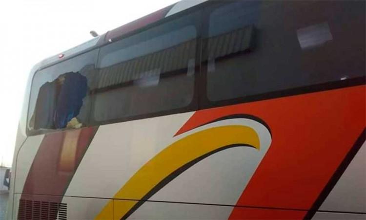 Arrojan piedras a autobuses en la Puebla-Orizaba