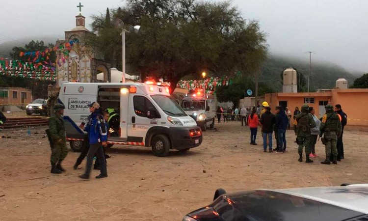Deja seis heridos explosión de cohetes en Chinantla