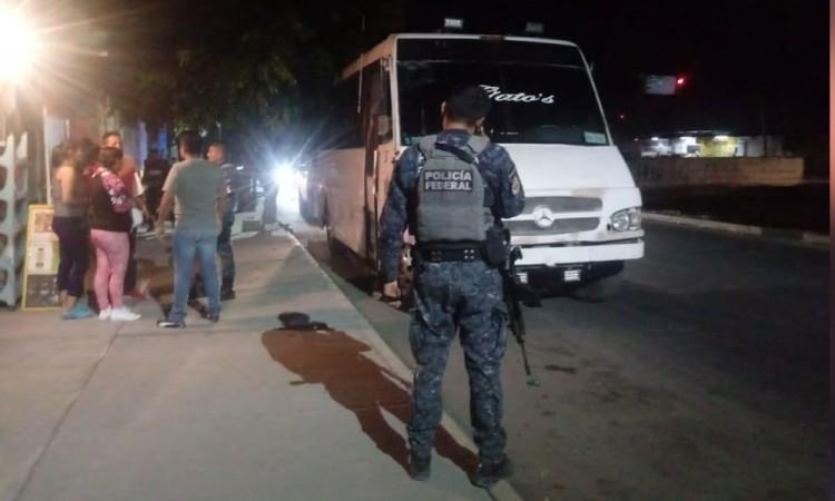Atacan a balazos a chofer de transporte público en Tehuacán