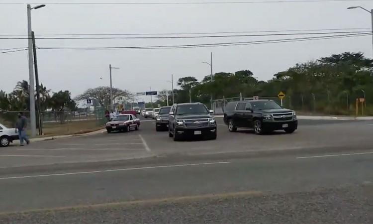 Convoy de comerciantes alarma a pobladores en Tochtepec y Tecamachalco