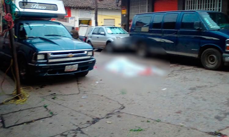 Asesinan a hombre frente a su familia en Zacatlán
