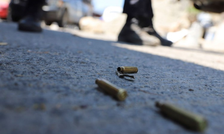 Joven es asesinado con arma de fuego en Tochtepec