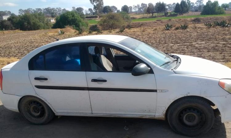 Tres muertos al interior de un vehículo en Texmelucan