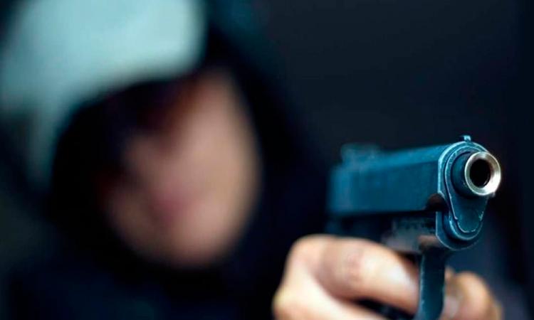 Le disparan luego de resistirse a un asalto en San Francisco Totimehuacán