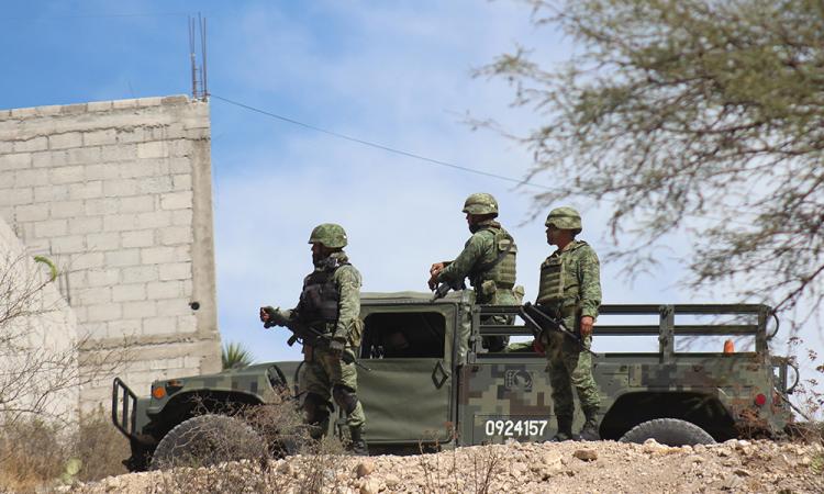Ladrones y policías se agarran a balazos en Miahuatlán; 7 detenidos