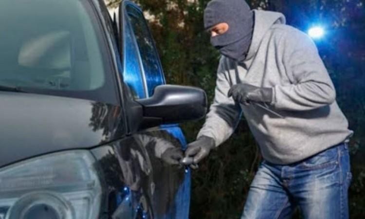 Secuestro y robo de 3 vehículos en carreteras de Tepeaca