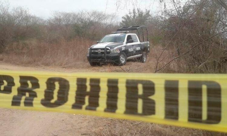 Campesinos encuentran dos cuerpos torturados en Atlixco