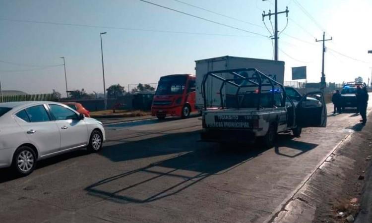 Chocan patrulla de Huejotzingo en bulevar Aeropuerto