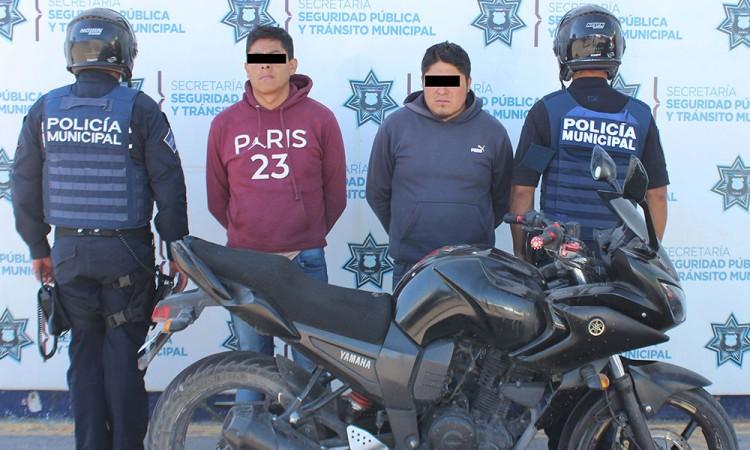 Tras persecución detienen a dos asaltantes en Xilotzingo, Puebla