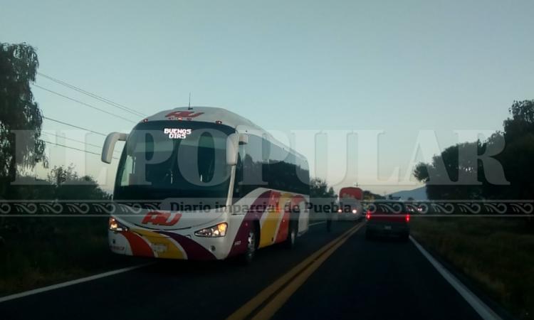 Asaltan autobús de la línea AU en la carretera Puebla- Tehuacán