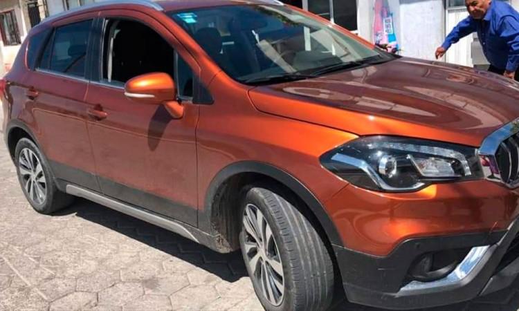 Sujetos armados roban camioneta de lujo marca BMW