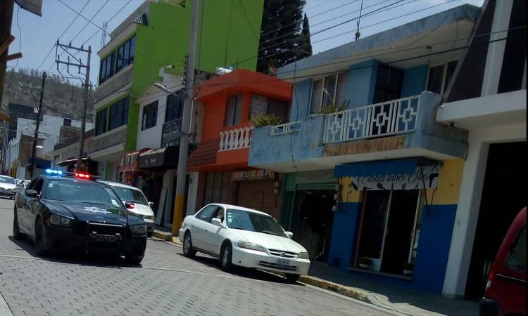 Asaltan vehículos en el centro de Tecamachalco