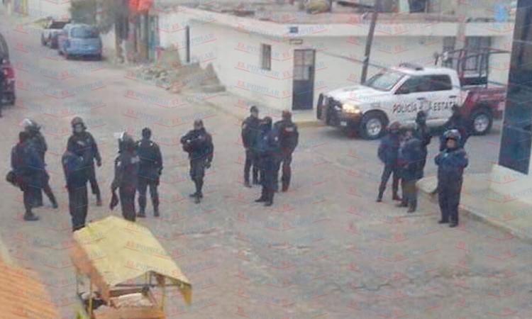 Retiran a miembros de SNTE por bloquear vías del tren en Lara Grajales