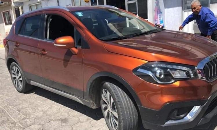 Comando roba camioneta a comerciante en Tecamachalco