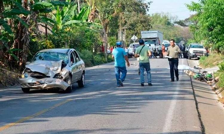 Muere menor en accidente vial; iba conduciendo una moto