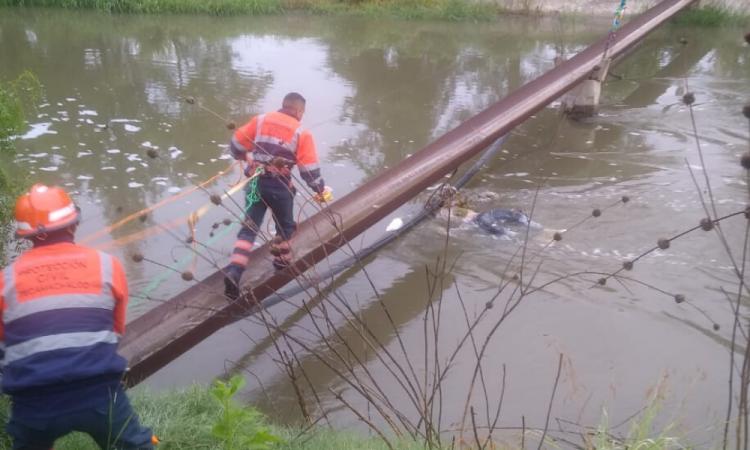 Hallan cadáver flotante en Xochitlan Todos Santos