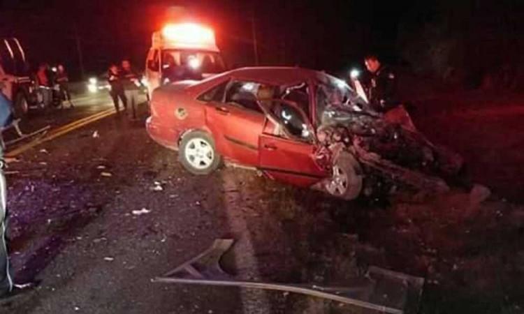 Chofer queda prensado en accidente sobre la Amozoc-Nautla