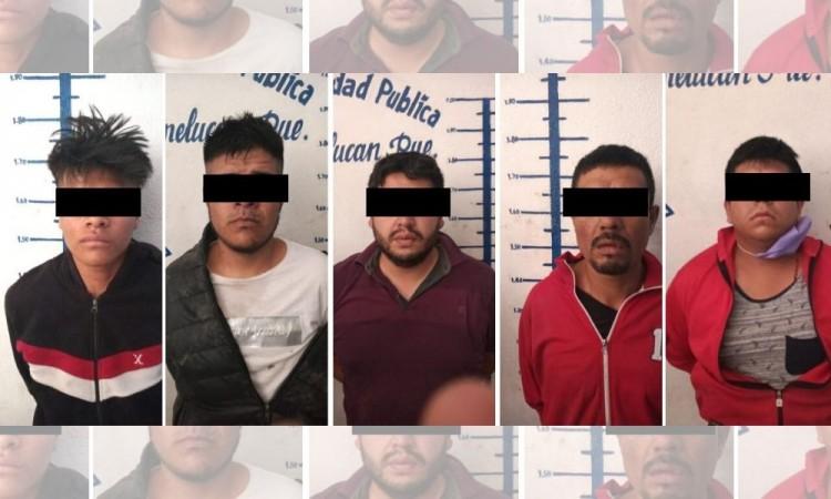 Aseguran a 5 sujetos con vehículos robados en San Martín Texmelucan