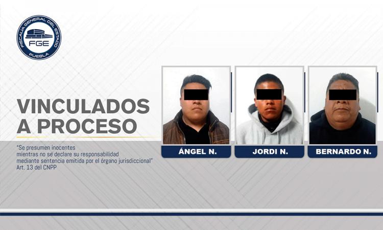 Padre e hijos vinculados a proceso por homicidio calificado en Tehuacán