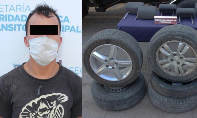 Recuperan 2 vehículos robados en Clavijero