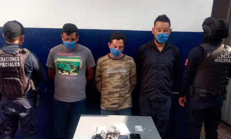 Capturan a tres presuntos narcomenudistas en Tehuacán