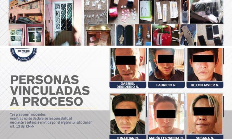 Aseguran más de 70 dosis de droga durante cateo, hay seis detenidos