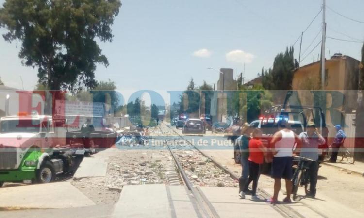 Encuentran cuerpo encobijado en San Pablo Xochimehuacan
